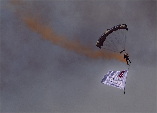 Tigers Parachute Display Team_002