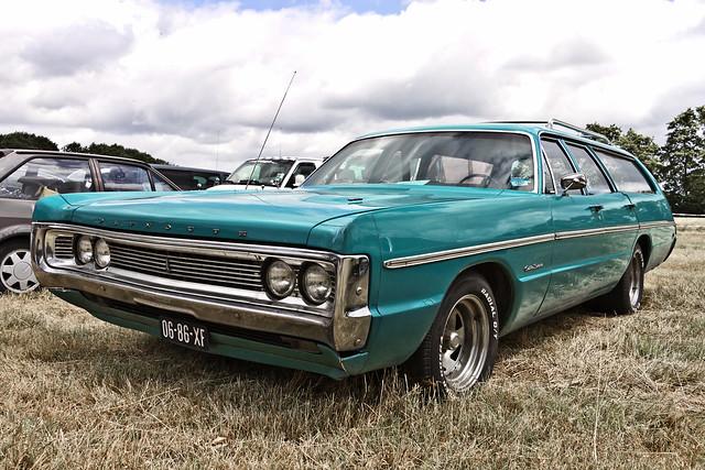 Plymouth Custom Suburban 1970 (6666)