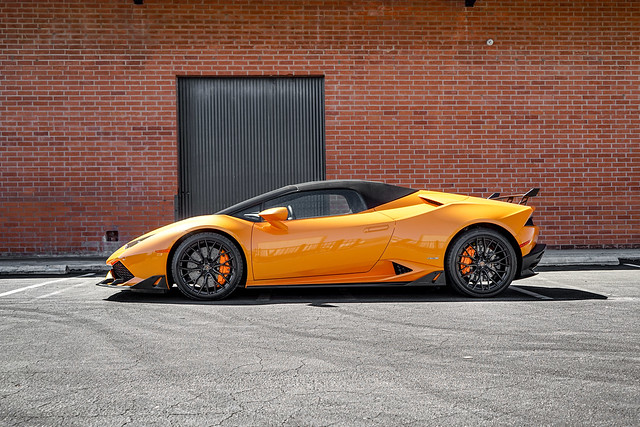 "Lamborghini Huracan 610-4 on 20"" Savini SV-F2 Wheels"