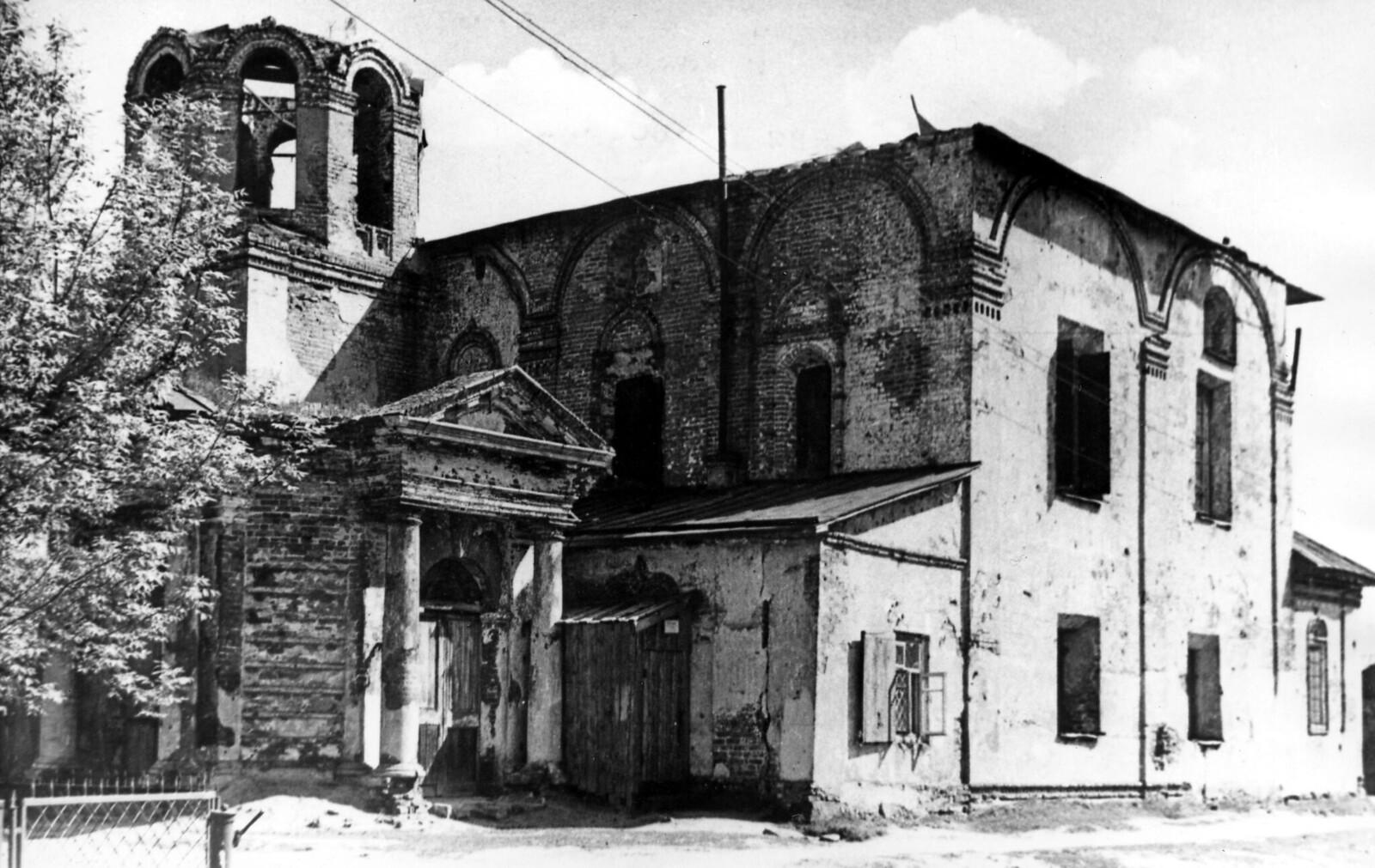 16. Церковь Дмитрия Солунского после артиллерийского обстрела