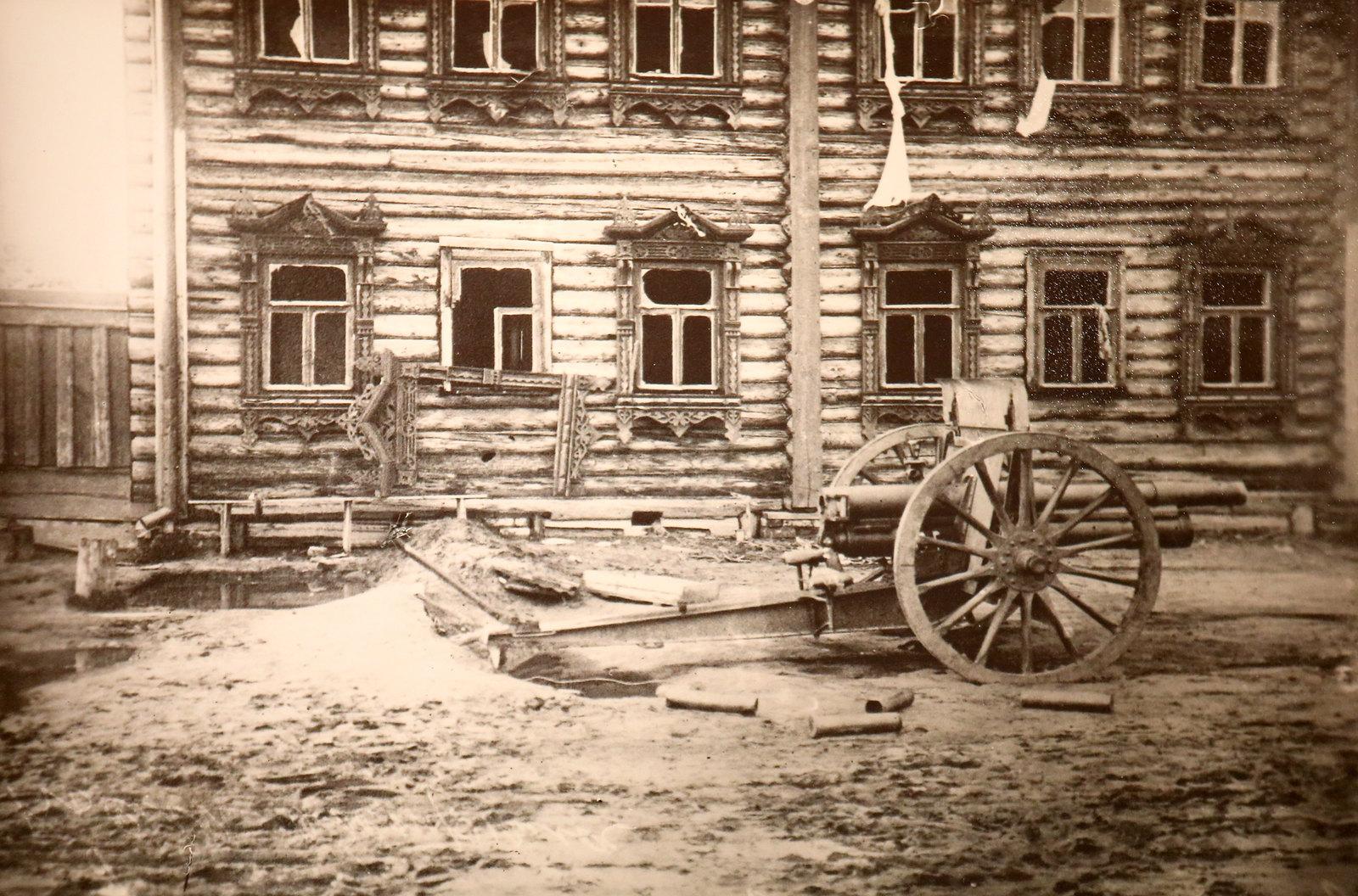 10. Трехдюймовое орудие на боевой позиции. Июль 1918