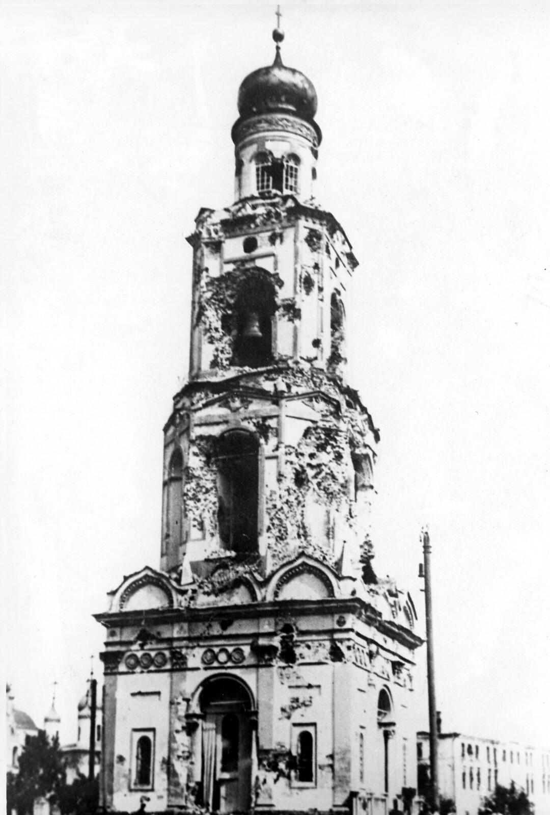 06. Колокольня Успенского собора после восстания