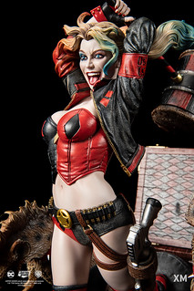 從驚嚇盒蹦出來給你致命一擊! XM Studios Premium Collectibles 系列 DC Rebirth 小丑女【哈莉·奎茵】Harley Quinn 1/6 比例全身雕像作品