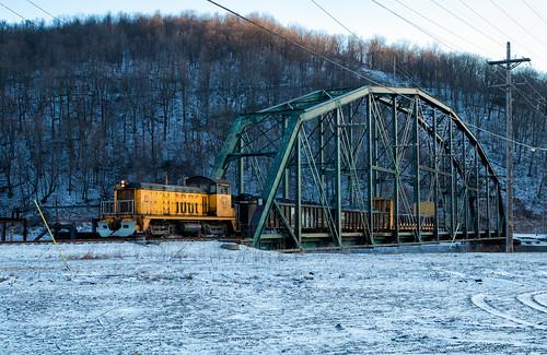 conemaugh black lick cbl bethlehem steel sw7 locomotive emd switcher shortline johnstown pennsylvania pa snow winter bridge iron sunrise loco east
