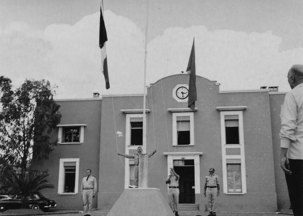 Octobre 1961 - Remise de la BE707 de Marrakech au Maroc 48747083146_ba9cb3ae42_o