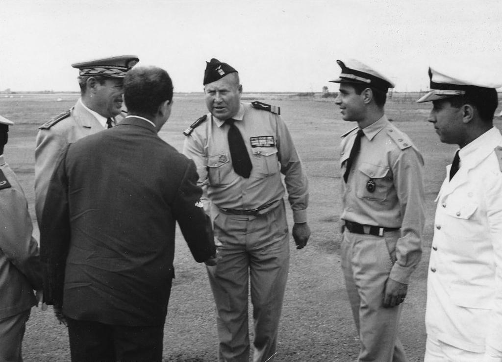 Octobre 1961 - Remise de la BE707 de Marrakech au Maroc 48747265982_ec544232b0_o