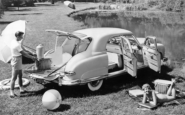 1949 Kaiser Deluxe Vagabond 4-door Sedan Press Photo - USA