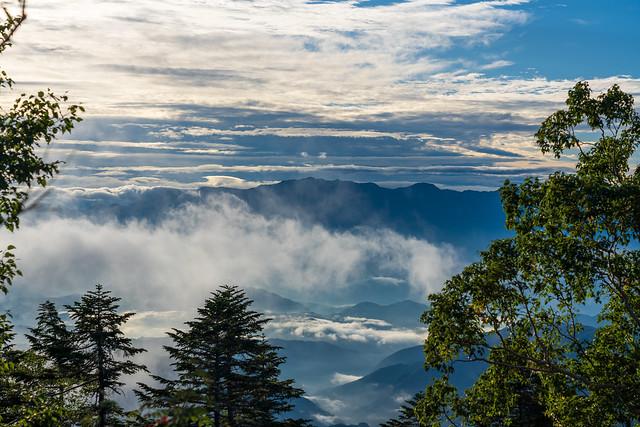 背後に中央アルプス・・・木曽駒ケ岳