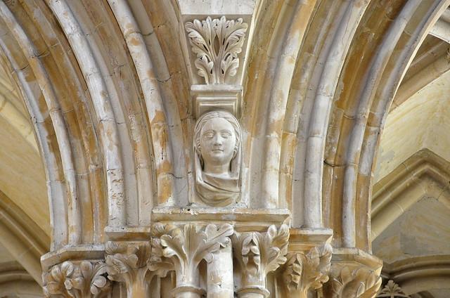 Caen (Calvados) - Abbaye aux Dames - Eglise abbatiale de la Trinité - Transept sud - Chapiteaux (explore 17-09-19)
