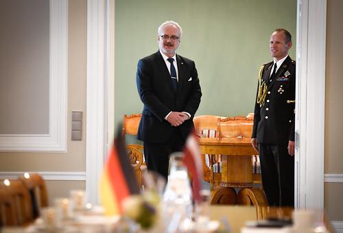 Valsts prezidents Egils Levits tiekas ar Vācijas Baltijas parlamentārās grupas delegāciju
