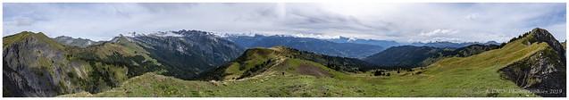 Les Alpes vues de la pointe de Chamossière.