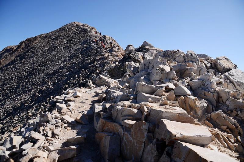 Narrow ridge near the summit (1)