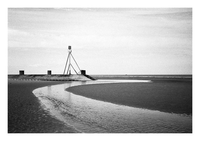 FILM - At low tide