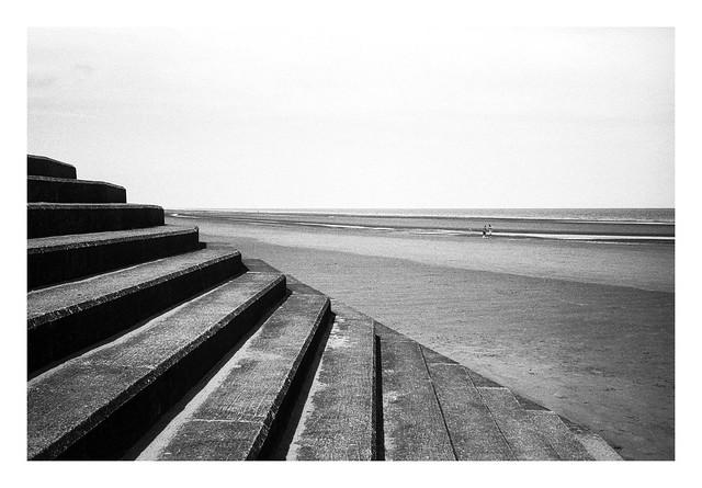 FILM - Beach steps