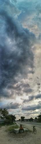 cloudy clouds darkclouds verticalpnorama panorama abovethehead tall nagrakata dooars