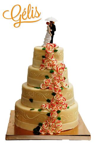Wedding cake Roses bord rouge