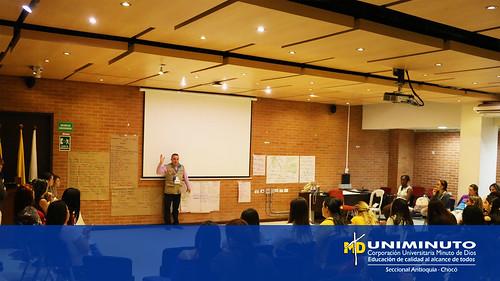 UNIMINUTO Sede Bello y la alcaldía de Medellín realizaron el taller Tejiendo Hogares