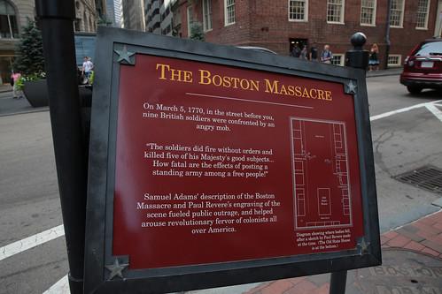 Massacro di Boston: targa esplicativa