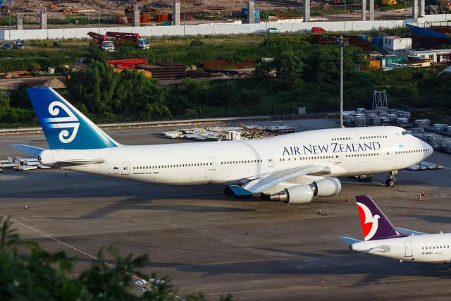 AIR NEW ZEALAND B747-400 ZK-SUH 0081R