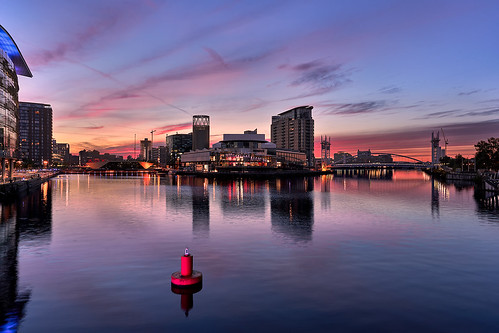 sky reflection water city dusk cityscape evening afterglow skyline landmark river manchester sunset daytime morning metropolitanarea cloud urbanarea horizon mediacityuk architecture dawn waterway night sunrise sea salfordquays downtown uk salford redclouds colors