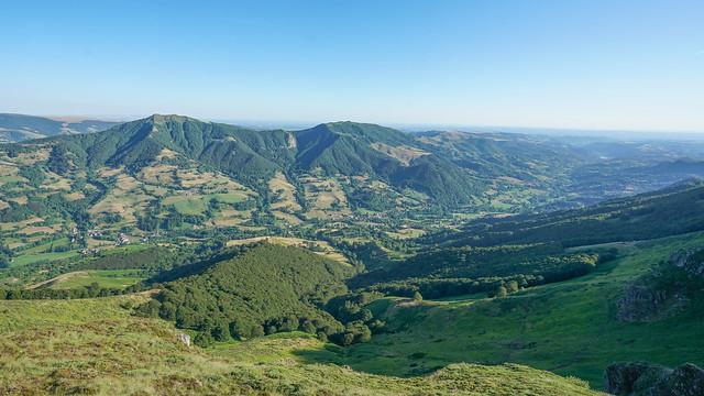 2019-08-03 (14) @Mandailles.Crêtes du Puy Chavaroche.Le Piquet --->l'Elancèze & le Courpou Sauvage & la Vallée de la Jordanne