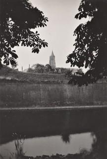 Foto - Duivelsgracht met Grote Toren (ongedateerd)