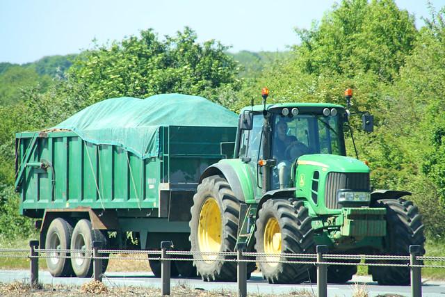 John Deere Tractor & Trailer