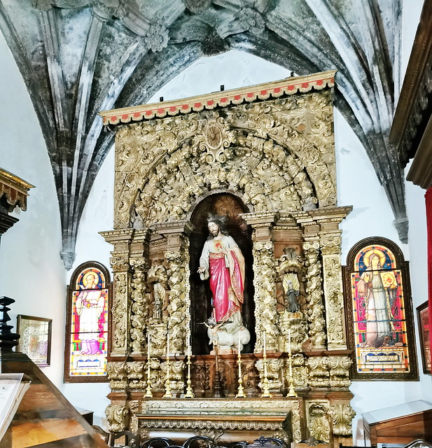 retablo capilla Sagrado Corazon interior Iglesia matriz de San Sebastian Ponta Delgada Isla San Miguel Azores Portugal