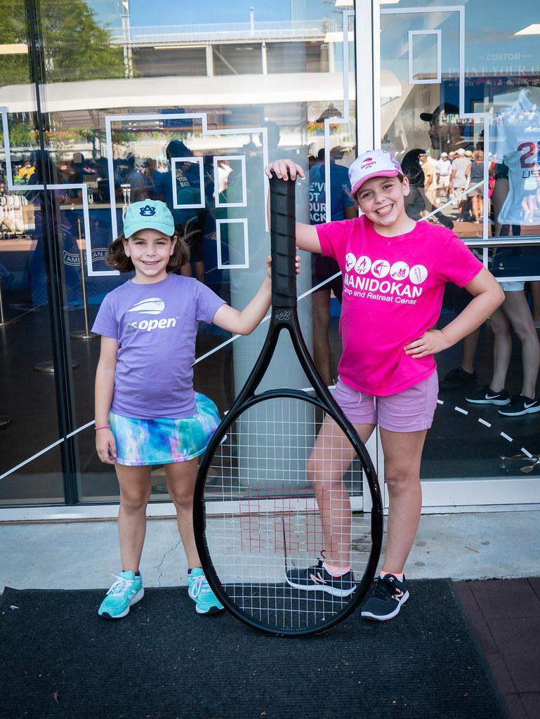 Giant racquet