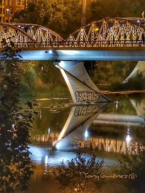 Puente de Hierro sobre el río Ebro