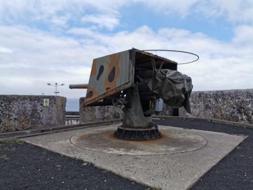 cañon interior Forte de Sao Bras Ponta Delgada Isla San Miguel Azores Portugal 01