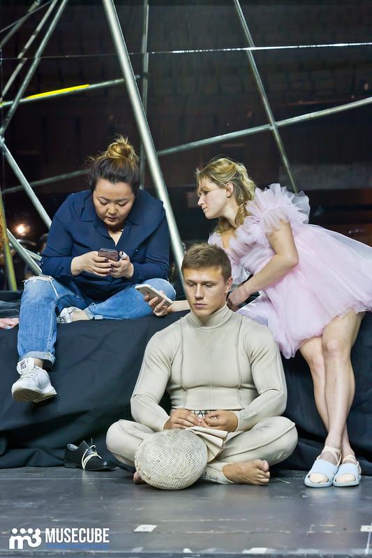 Pari_nad_bezdnoi_Teatr_musicla_055