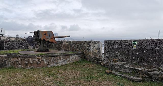 cañon interior Forte de Sao Bras Ponta Delgada Isla San Miguel Azores Portugal 02