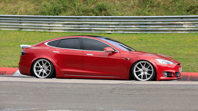 Tesla-Model-S-Nuerburgring-article169Gallery-1396737e-1628279