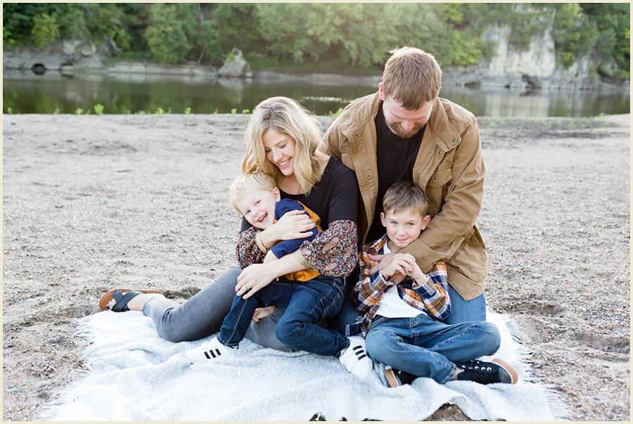 iowacityphotographer-cedarrapidsphotographer-palisadesparkfamilysession-jenmadiganphotography-ohiofamilyphotographer-clevelandfamilyphotographer-02