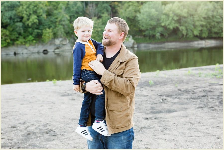 iowacityphotographer-cedarrapidsphotographer-palisadesparkfamilysession-jenmadiganphotography-ohiofamilyphotographer-clevelandfamilyphotographer-09