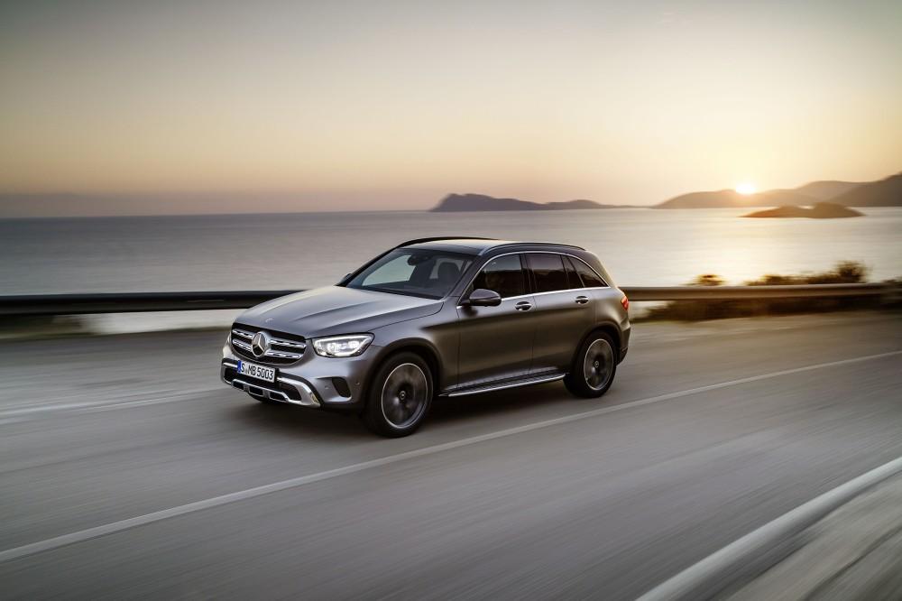 The new Mercedes-Benz GLC, GLC Coupé,嶄新外觀設計搭配領先市場趨勢的EQ Boost 輕型複合動力,「勁 全力」的氣勢將再度成為豪華運動休旅車全能指標