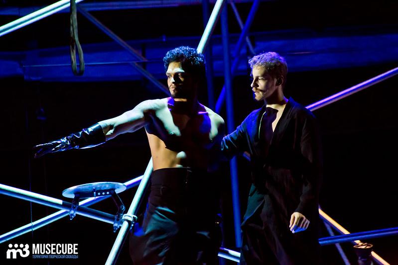 Pari_nad_bezdnoi_Teatr_musicla_006