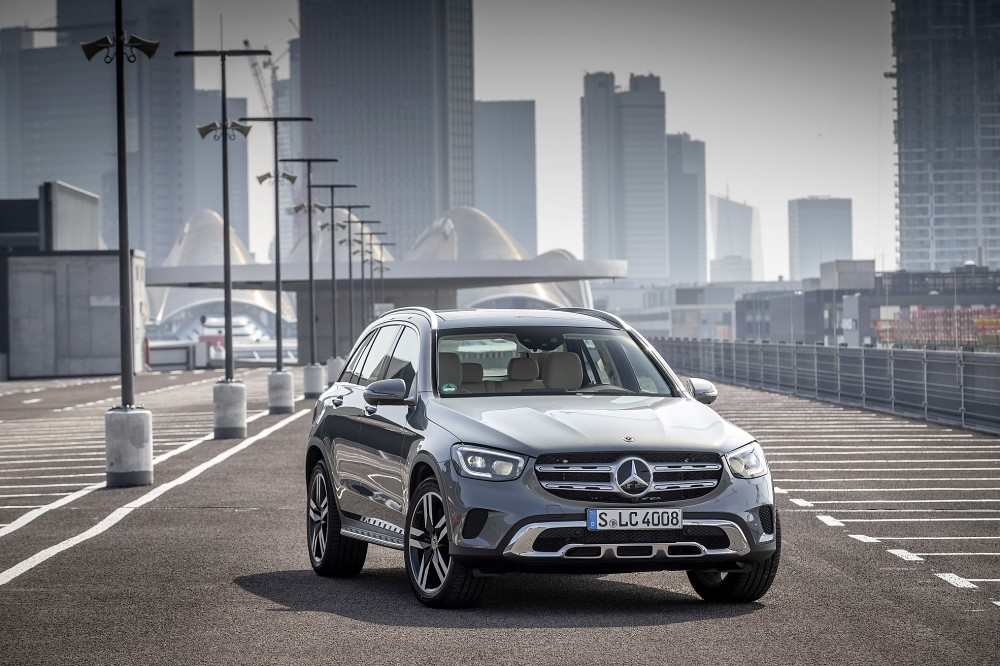 The new GLC, GLC Coupé 搭載最先進智能科技,完美整合Mercedes me connect互聯、進階MBUX多媒體系統以及新一代智慧駕駛輔助系統(23P)