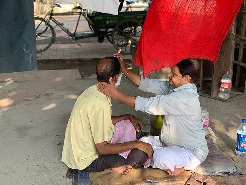 City Landmark - Barber Baldev Raj's Pavement Stall, Daryaganj