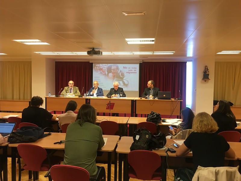 Rueda de prensa en la Conferencia Episcopal