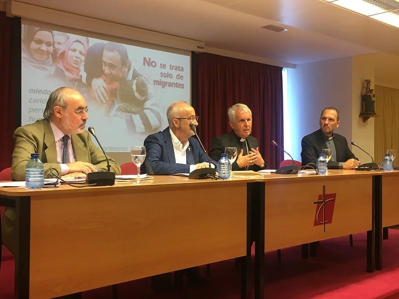 Jesús Miguel Zamora, José Luis Pinilla y Luis Quinteiro, en la CEE