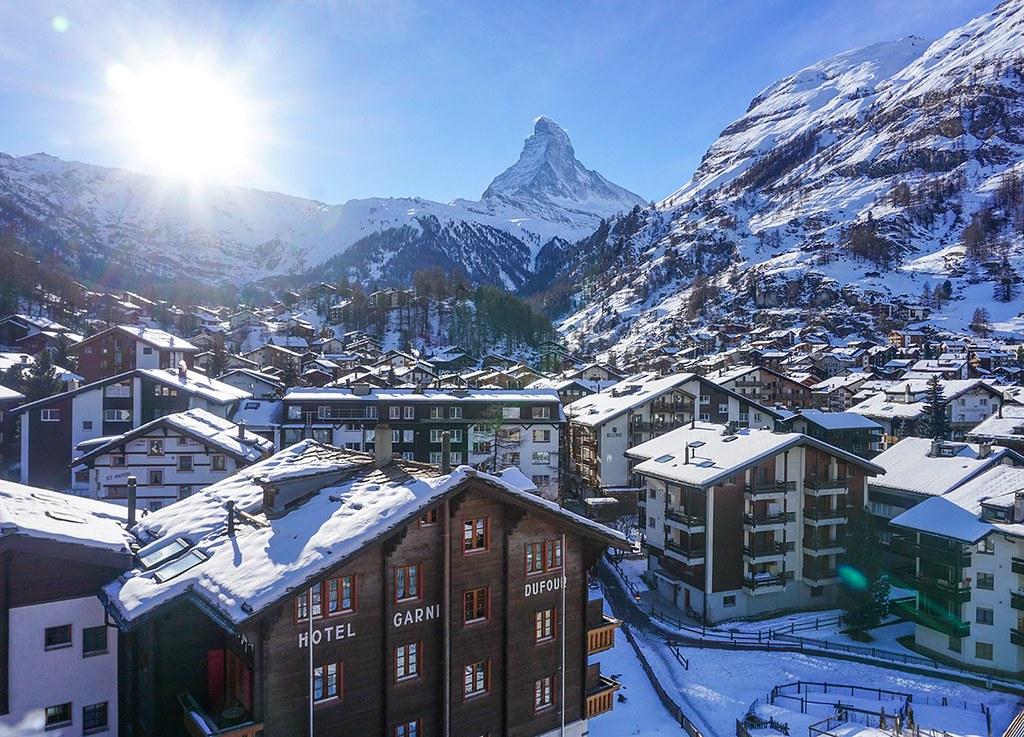 Sunrise-at-Matterhorn-Zermatt-Switzerland-Interrail-in-Winter-8