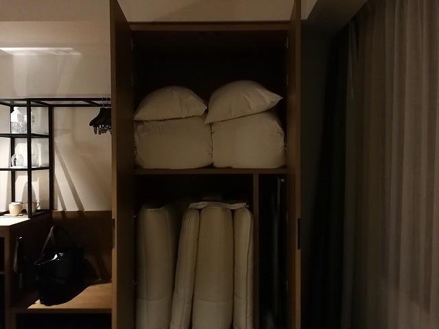 <p>3人泊まれる部屋だな~と思います。</p>