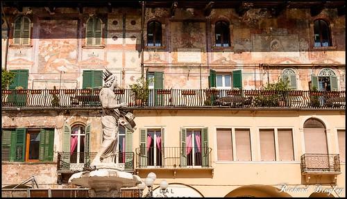 la fontana di Madonna Verona in Piazza Erbe Verona Italy