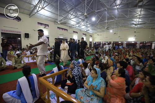 HH arrival at Satsang Bhawan