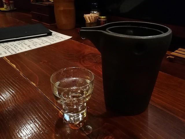 <p>大雪渓・・地元の方に人気のお酒だそうです。2合で850円のお安さ!旨し</p>