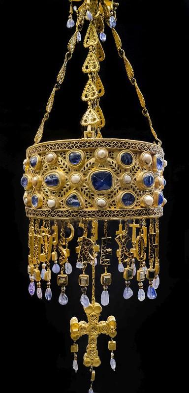 35 Вотивная корона короля Рецесвинда, сер.VII в