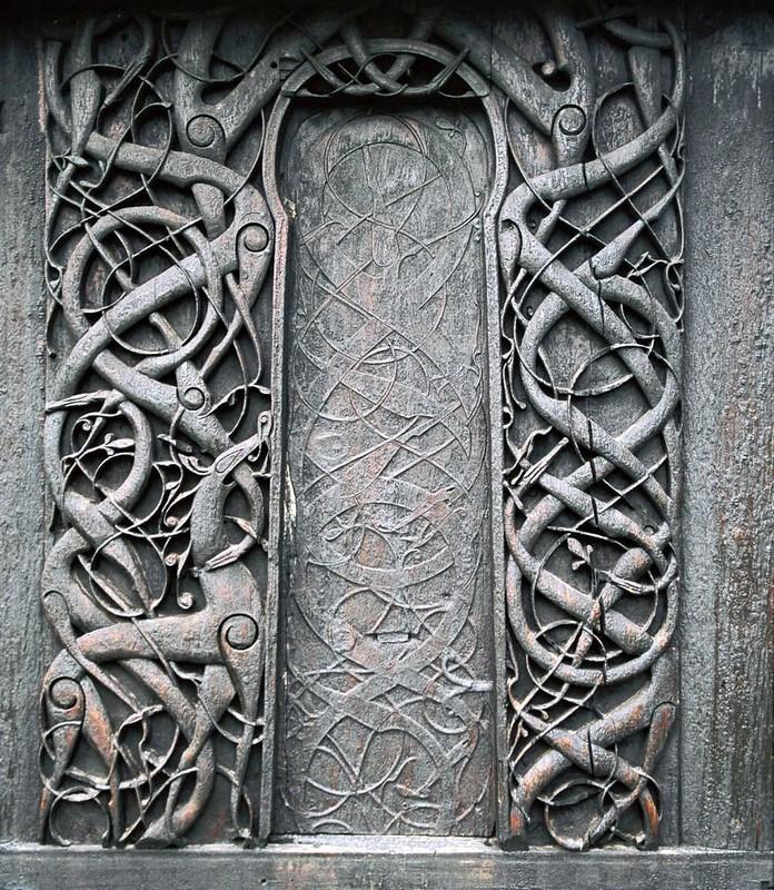 67 Деревянный орнамент на церкви в Урнес XI-XII вв. Норвегия