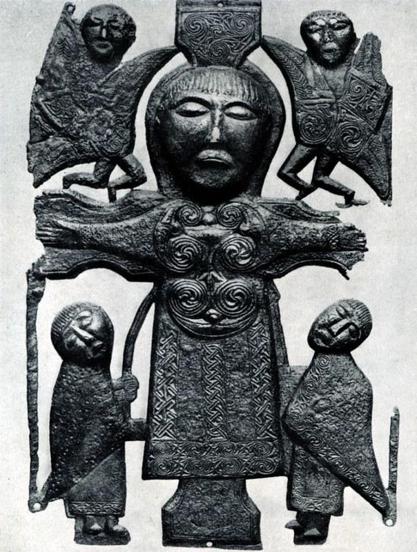60 Бронзовое распятие из Атлона. Дублин Археологический музей 750 г.